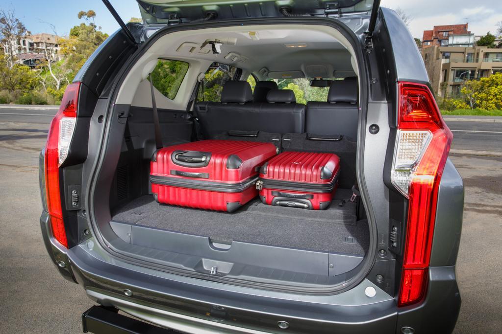 Mitsubishi Pajero Sport 2016 Review
