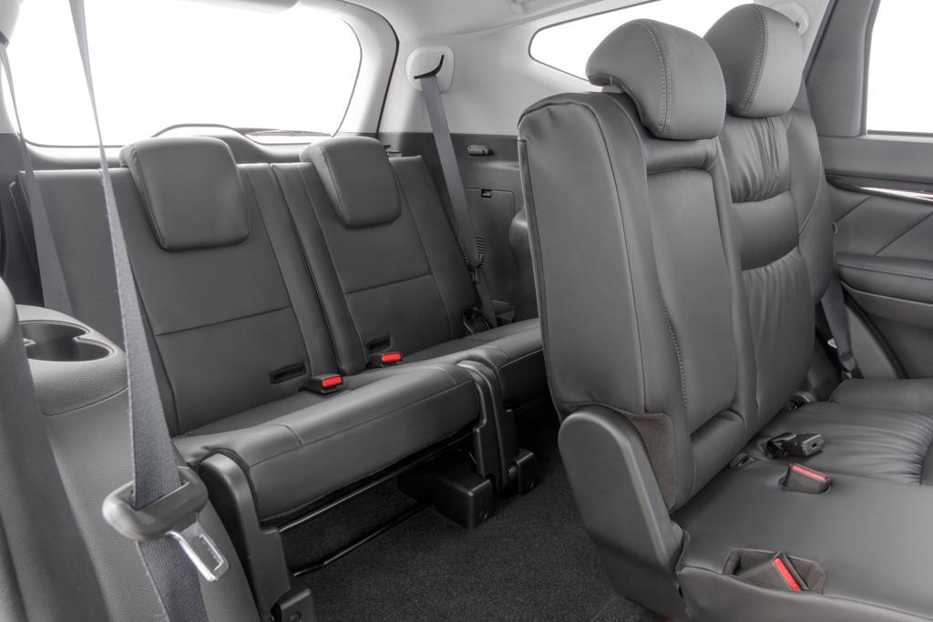 third row suvs with best leg room autos post. Black Bedroom Furniture Sets. Home Design Ideas