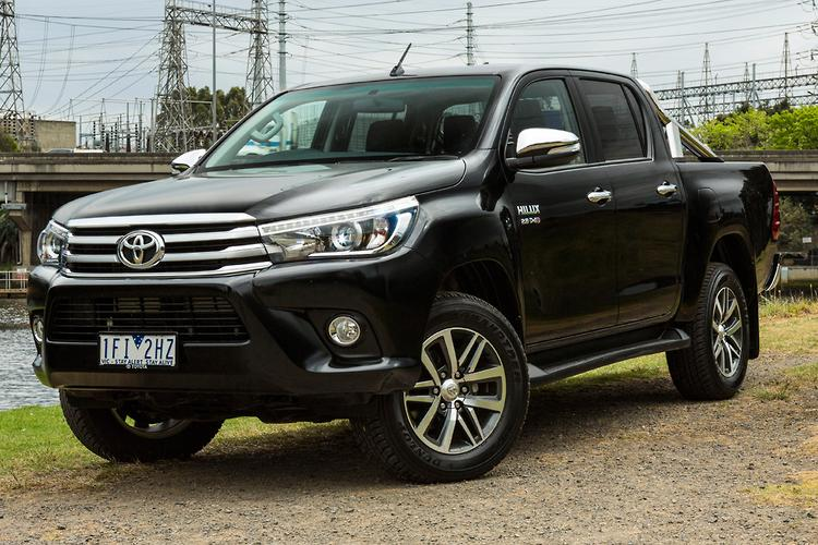 toyota hilux 2015 review. Black Bedroom Furniture Sets. Home Design Ideas