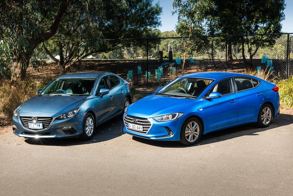 Mazda3 Vs Hyundai Elantra >> Hyundai Elantra v Mazda 3 2016 Comparison - motoring.com.au