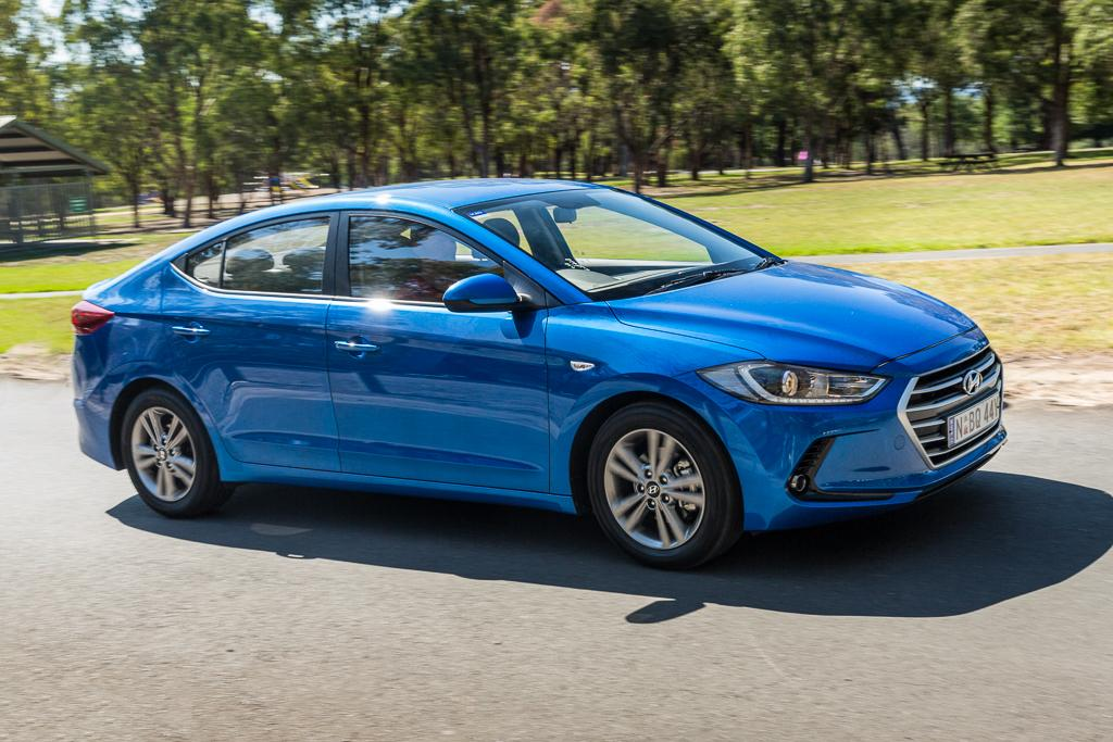 Hyundai Elantra V Mazda 3 2016 Comparison Motoring Com Au
