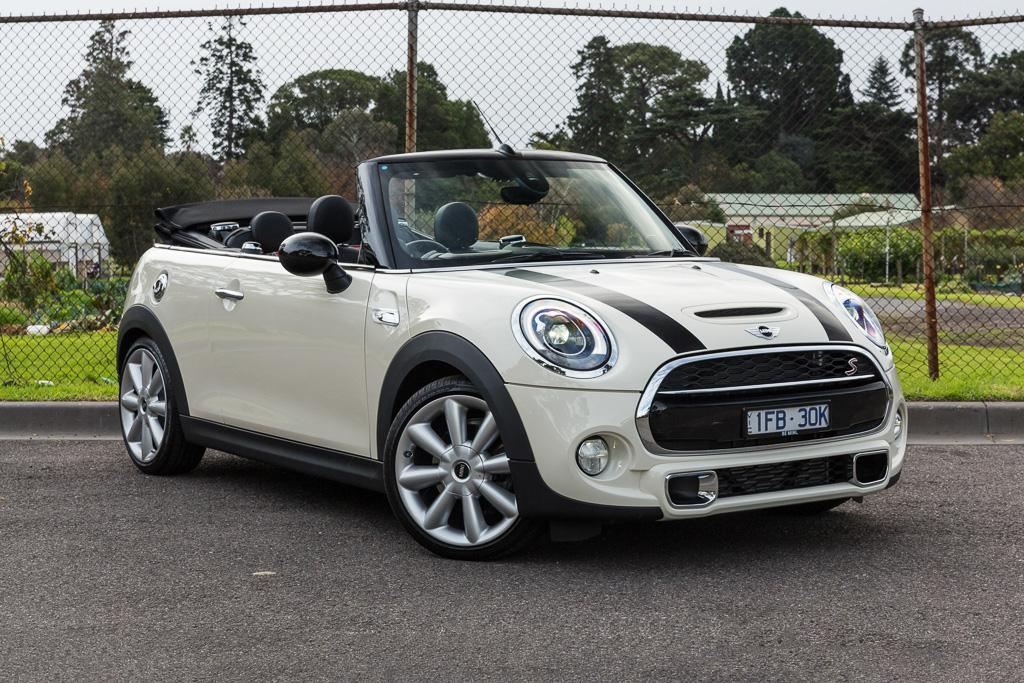 mini cooper s convertible 2016 review. Black Bedroom Furniture Sets. Home Design Ideas