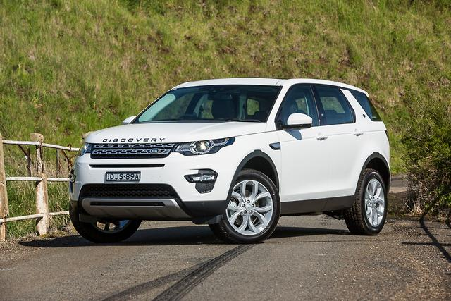 land rover discovery sport 2017 review. Black Bedroom Furniture Sets. Home Design Ideas