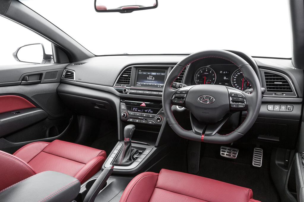 hyundai elantra sr turbo 2017 review. Black Bedroom Furniture Sets. Home Design Ideas