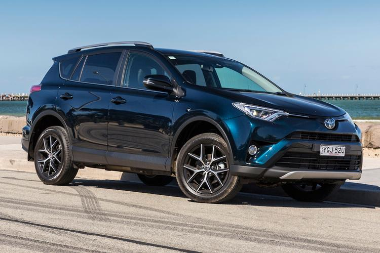 Toyota RAV4 2017 Review - motoring.com.au
