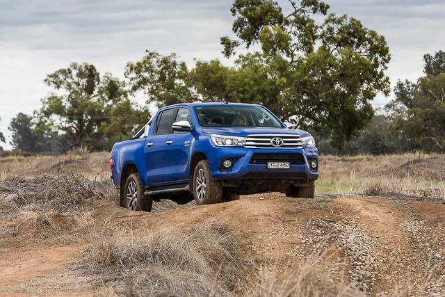 Luxury Toyota HiLux SR5 2017 Review  Motoringcomau