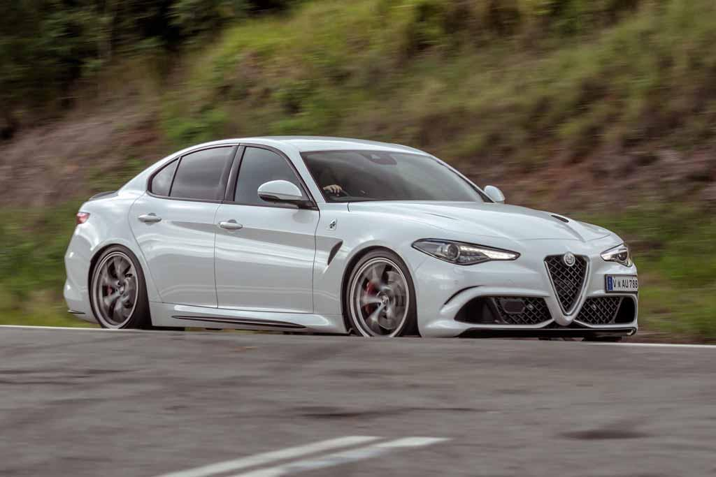 2017 alfa romeo giulia quadrifoglio review the germans autos post. Black Bedroom Furniture Sets. Home Design Ideas