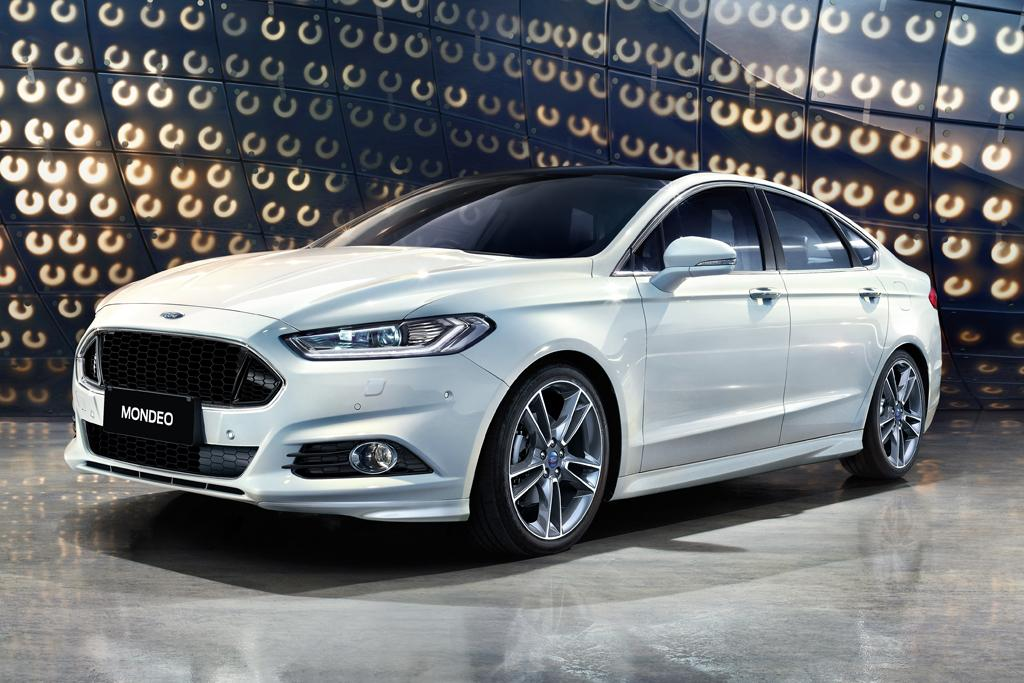 On The Outside Flagship Mondeo Anium Grade Steps Up To 19 Inch Five Spoke Alloy Wheels With Lower Profile 235 40 Continental Tyres Mid Spec