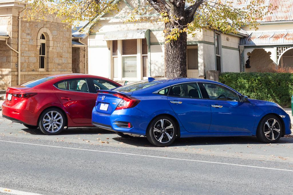 Honda Civic RS v Mazda3 SP25 GT 2016 Comparison - motoring.com.au