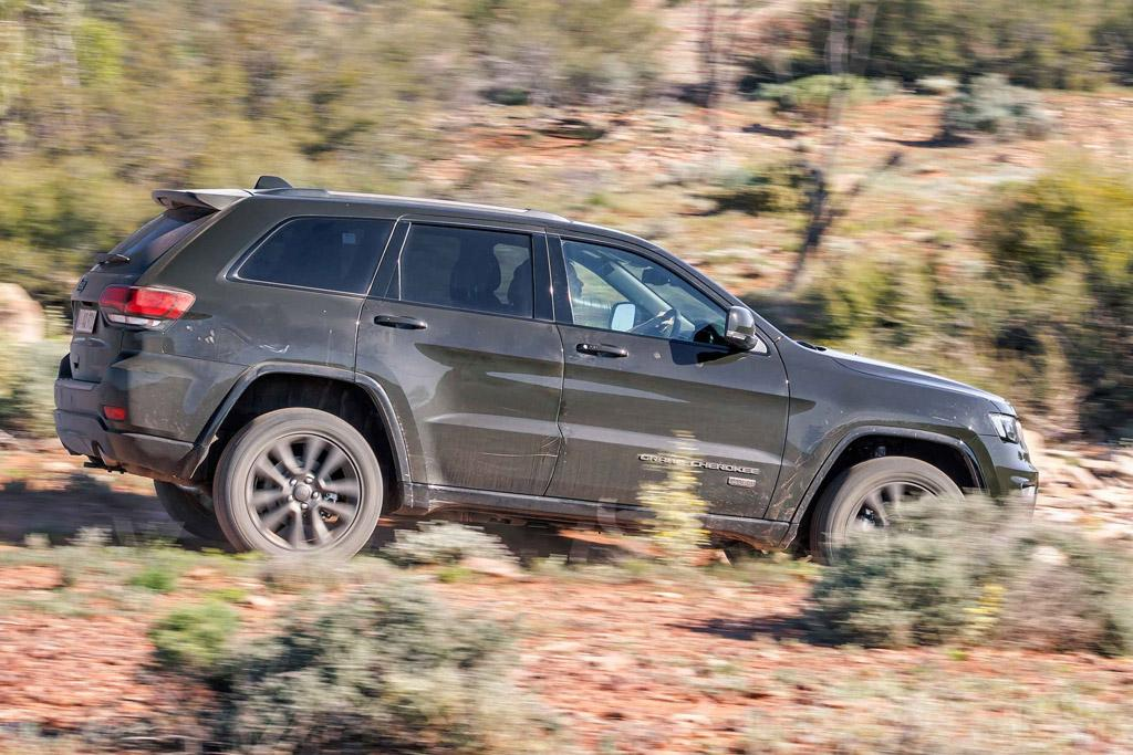 jeep grand cherokee 75th anniversary 2016 review. Black Bedroom Furniture Sets. Home Design Ideas
