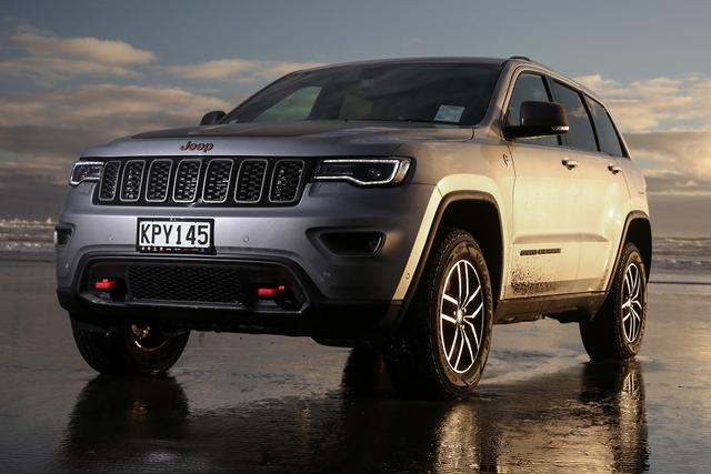jeep grand cherokee 2017 review. Black Bedroom Furniture Sets. Home Design Ideas