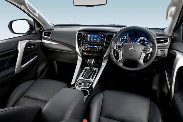 Mitsubishi Pajero Sport 2017 Review - motoring.com.au