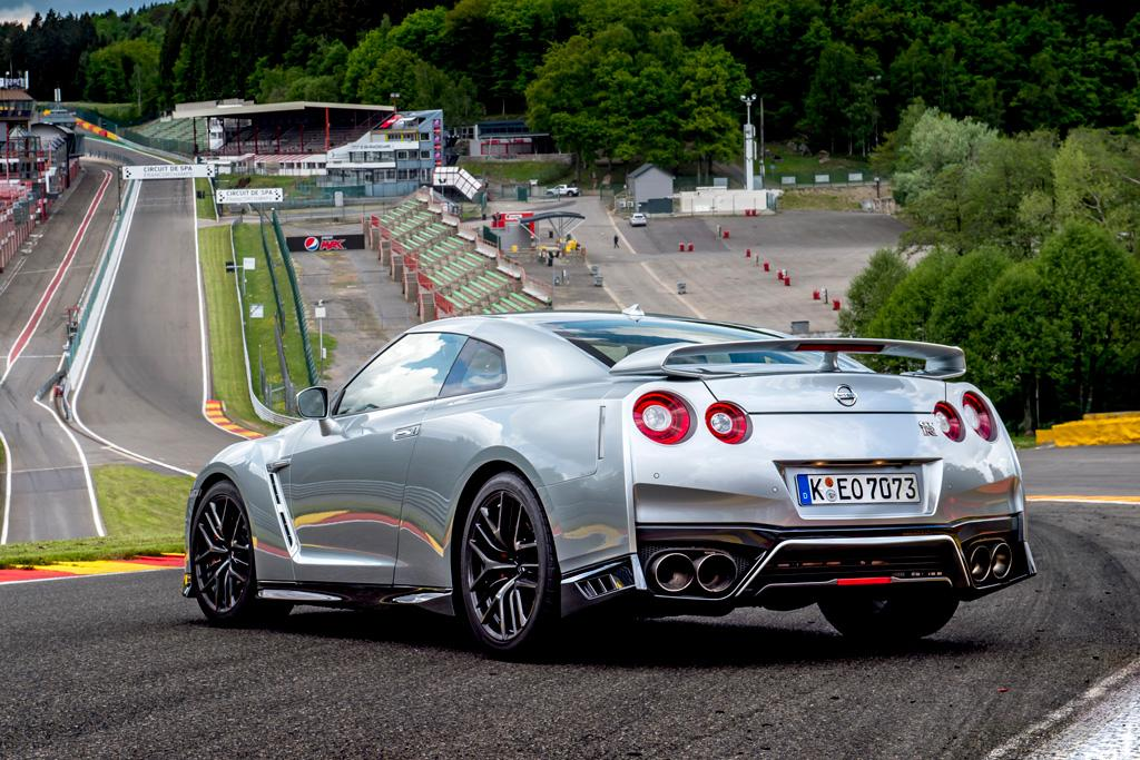 nissan gtr black edition review new car release date and. Black Bedroom Furniture Sets. Home Design Ideas