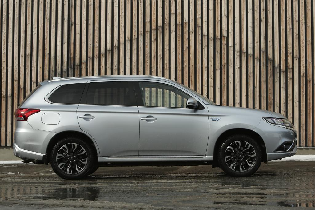 Mitsubishi Previews Updated Outlander Phev Motoring Com Au