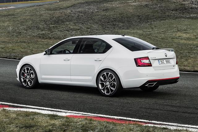 skoda octavia rs 2017 review. Black Bedroom Furniture Sets. Home Design Ideas