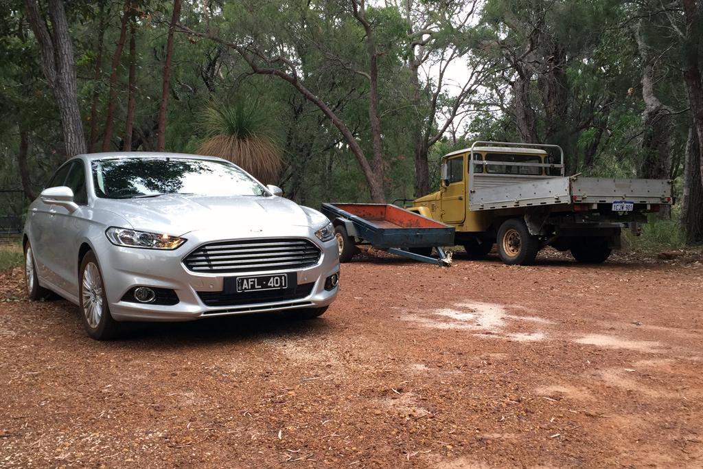 Ford Mondeo 2016 Review - motoring.com.au