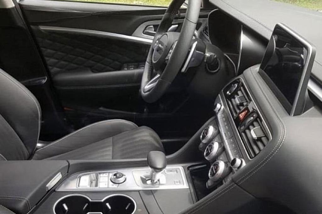 Spy Pics Genesis G70 Interior Uncovered Motoring Com Au