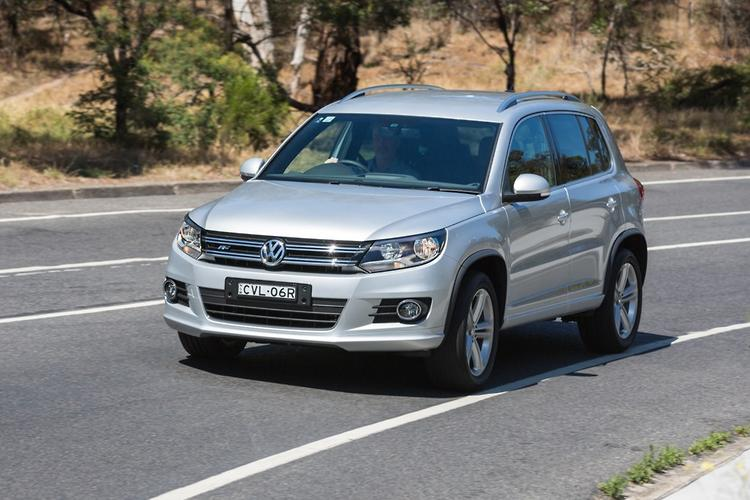 volkswagen tiguan 2015 review. Black Bedroom Furniture Sets. Home Design Ideas