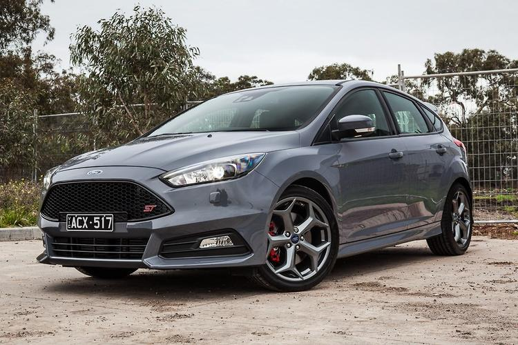 ford focus st 2015 review. Black Bedroom Furniture Sets. Home Design Ideas