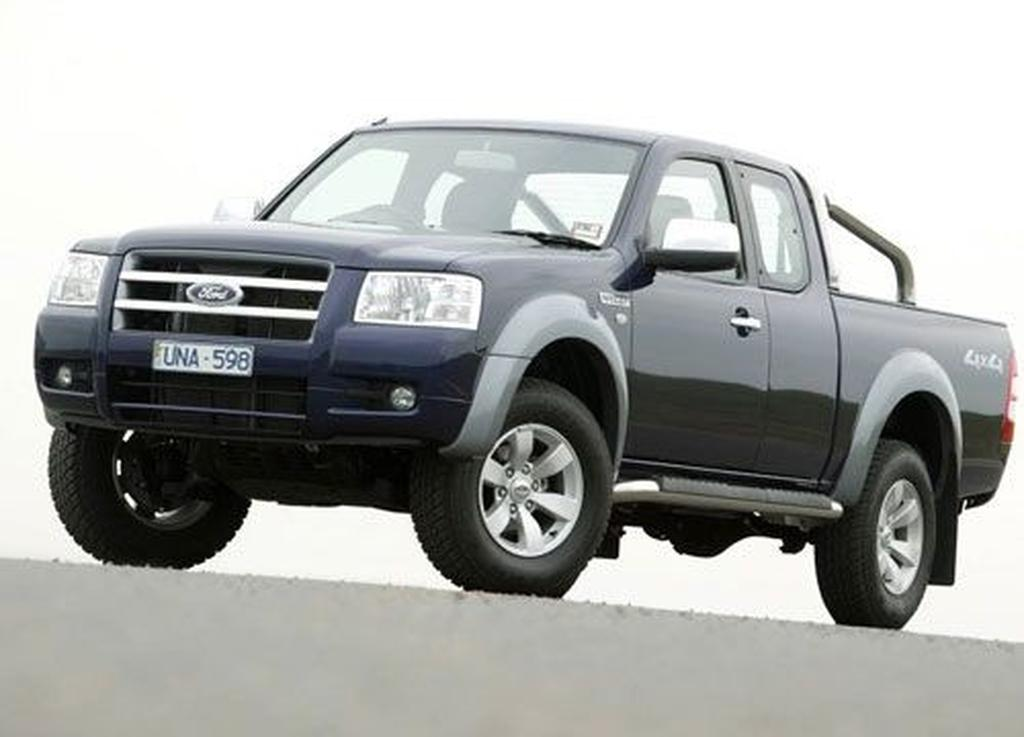 ford ranger xl crew cab 4x4 and xlt super cab 4x4 compared. Black Bedroom Furniture Sets. Home Design Ideas