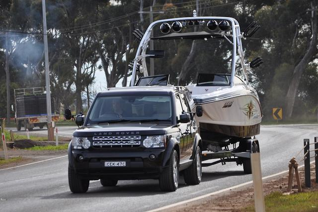 Land Rover Discovery 4 2013 Tow Test