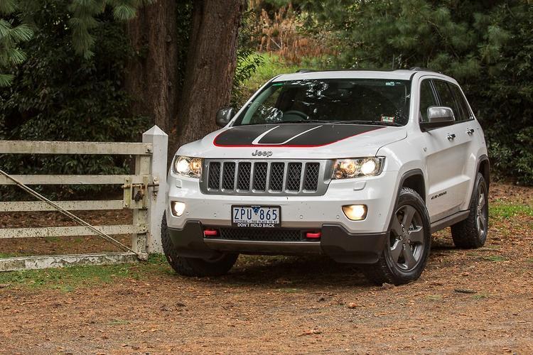 jeep grand cherokee trailhawk 2013 road test. Black Bedroom Furniture Sets. Home Design Ideas