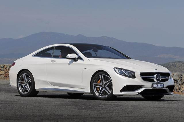 Benz s 63 amg coupe jumps 400k barrier for Barrier mercedes benz