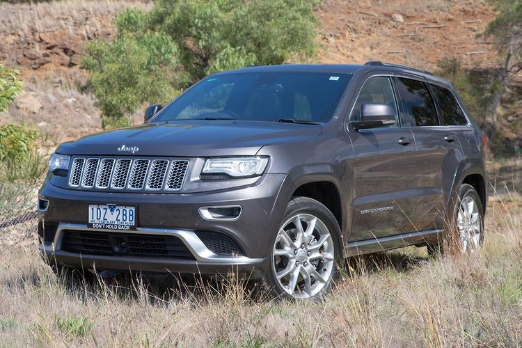 jeep grand cherokee summit platinum 2015 review. Black Bedroom Furniture Sets. Home Design Ideas