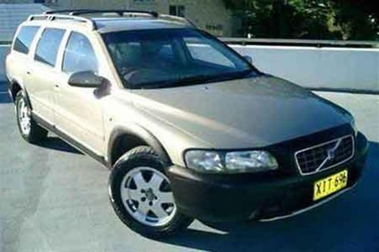 volvo v70 cross country xc70 wagon 1998 2004 motoring. Black Bedroom Furniture Sets. Home Design Ideas