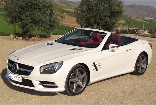 Mercedes benz sl 350 sl 500 international launch for Mercedes benz target market