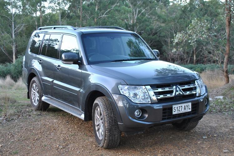 2014 Mitsubishi Pajero Sport Specs and Price - Cars.co.za