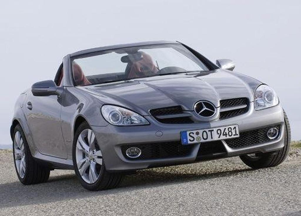 mercedes benz slk 200 kompressor slk 350 and slk 55 amg. Black Bedroom Furniture Sets. Home Design Ideas