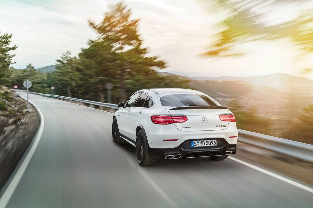 Mercedes Amg Claims A Nought To 100km H Time Of 3 8 Seconds In Both Models Along With An Electrically Governed Top Sd 270km